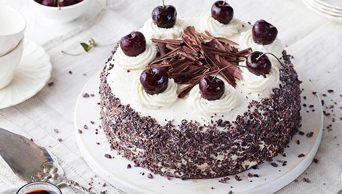 black forest cake for valentine celebration
