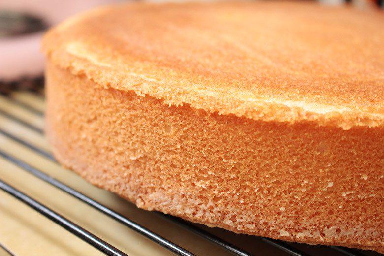 impact of sugar in baking caramelization