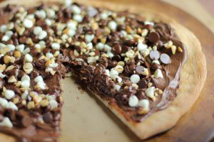 nutella-chocochip-pizza-for-boyfriend