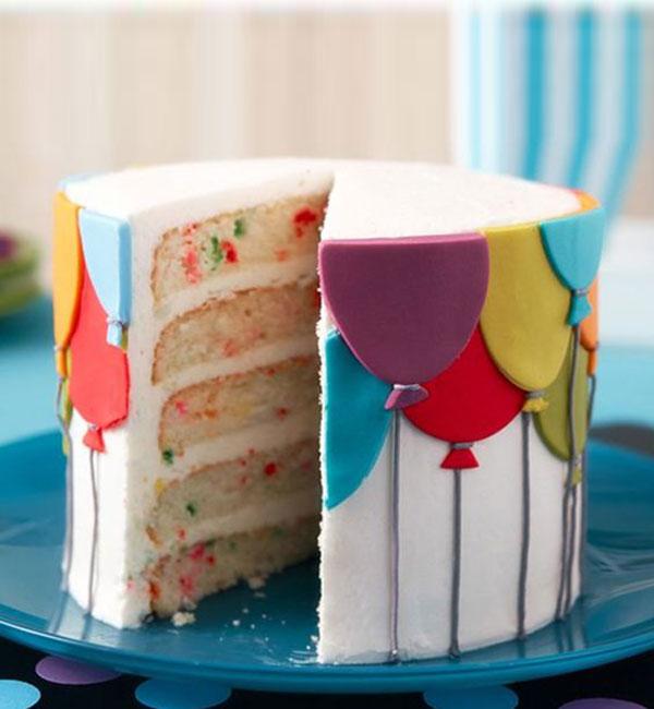 Balloon fondant cake