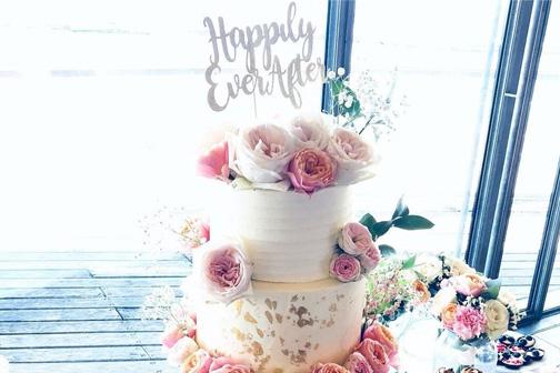 floral fondant cakes