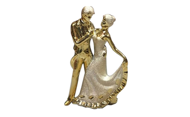 sculpture for the couple