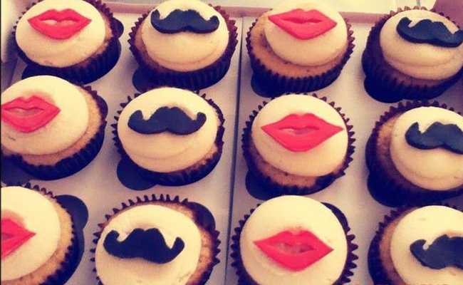 Lip and mustache cupcakes