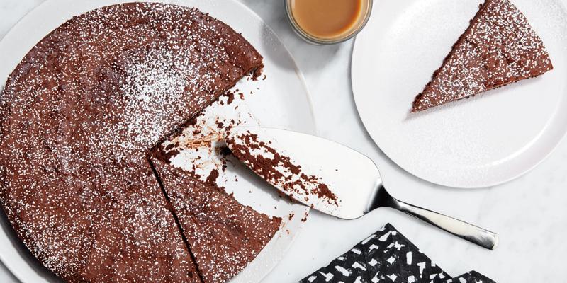 3 ingredients chocolate cake