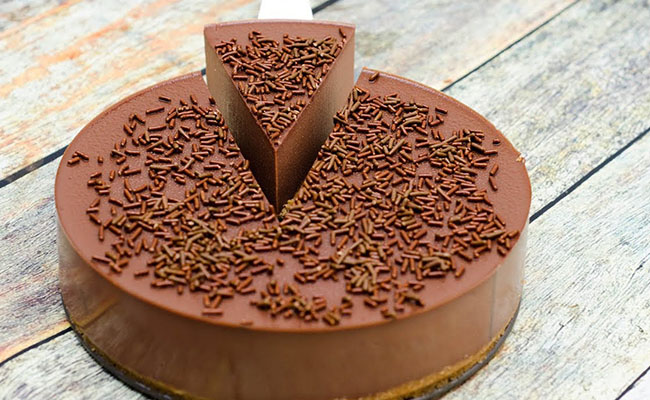 No-Bake Chocolate Cake