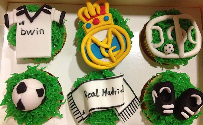 Football Cupcakes