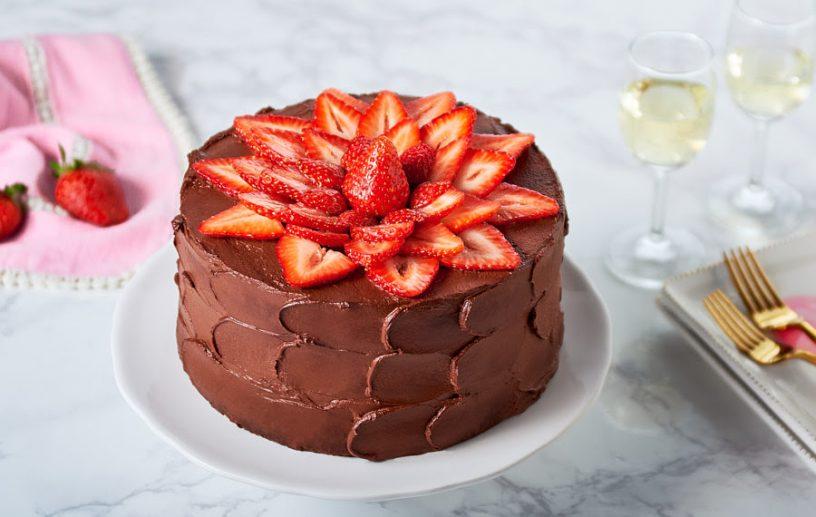 Delicious Chocolate Strawberry Cake