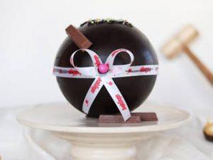 Ball shaped pinata cake
