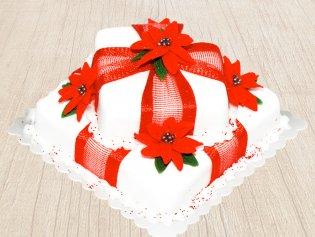 Treat From Heaven - A Vanilla Fondant Christmas Cake